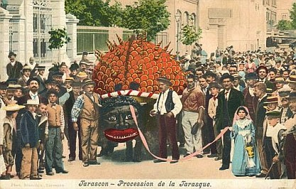 Procession_Saint_Martha_celebration_in_Tarascon